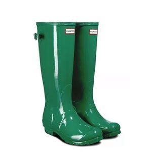 Hunter Women's Green Gloss Tall Rainboot Size 5 US